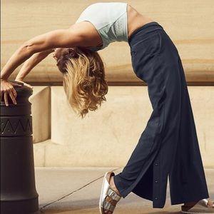 Athleta Gramercy Track Trouser Navy / Black Size 4